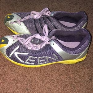 Brand new keen hiking shoes!!